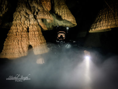 Bigblue dive lights underwater cave photography