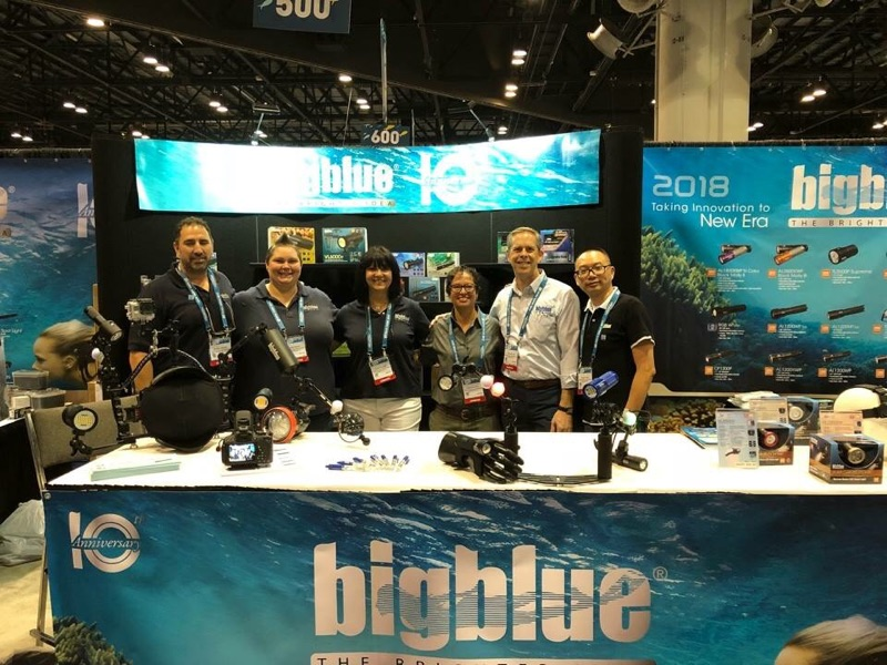 Bigblue dive lights DEMA booth